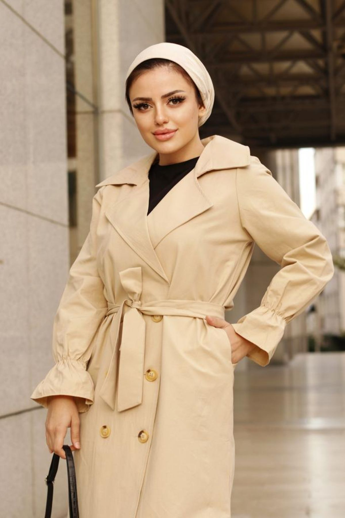 Women's Belted Button Closure Trench Coat 1482 Beige